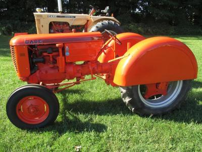 1947 Case Mod. VAO, WF, orchard fenders, NEW paint, NEW seat, #5153404
