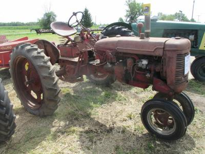 "1949 Farmall Mod. C, NF, fenders, 9.5X36"" tires, 20hp, #24346 (needs attention)"