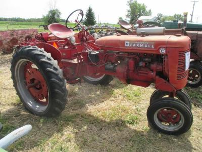 "1952 Farmall Mod. Super C, NF, fenders, wheel weights, 10-36"" tires, power lift, 23hp, #136712 (engine stuck)"
